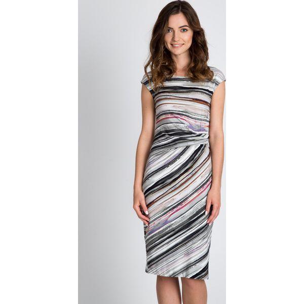 70a3d6ec Taliowana sukienka w paski QUIOSQUE