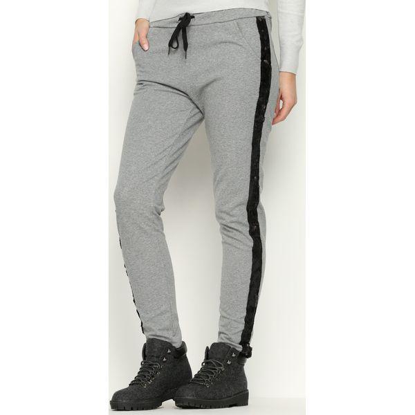 4f11b77280b2 Ciemnoszare Spodnie Dresowe Comfy - Spodnie dresowe marki Born2be ...