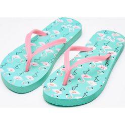 6f2a7c7ca41412 Wyprzedaż - obuwie damskie ze sklepu Cropp - Kolekcja lato 2019. -50%.  Japonki - Zielony. Zielone japonki Cropp, bez wzorów. W wyprzedaży za 14.99  zł ...