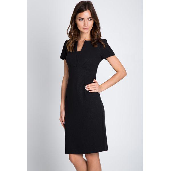 e3b4fa5456 Czarna ołówkowa sukienka z połyskiem QUIOSQUE - Czarne sukienki ...
