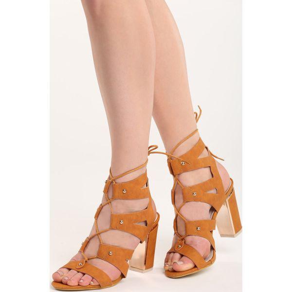 f5442e56 Camelowe Sandały Christal - Brązowe sandały Born2be, z materiału, z ...