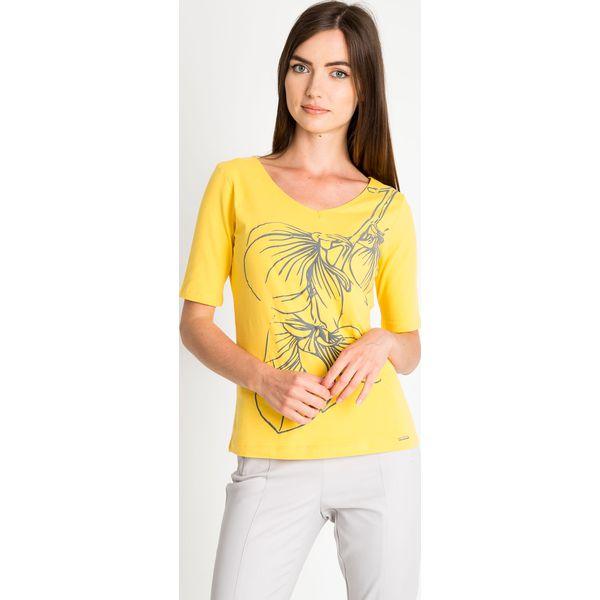 ad5dffac23a3 Żółta bluzka z wypukłym wzorem QUIOSQUE - Bluzki marki QUIOSQUE. W ...