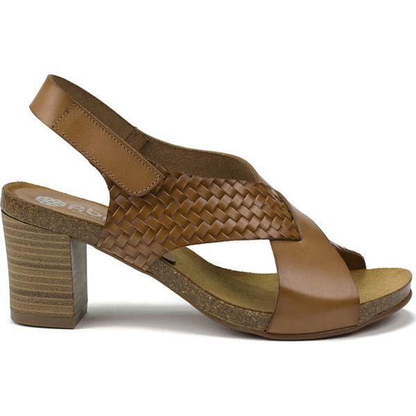 c5044545ded19 Skórzane sandały w kolorze jasnobrązowym - Brązowe sandały marki ...