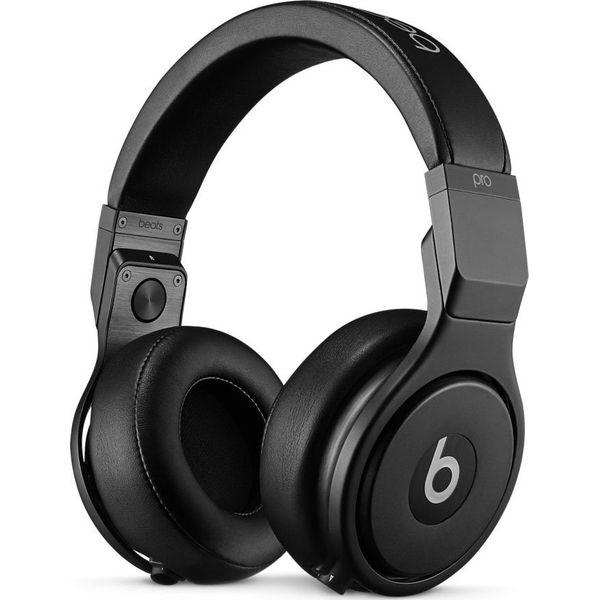 Słuchawki Apple Beats Pro (MHA22ZM B) - Moda w Women s Health 2e96fdcc78