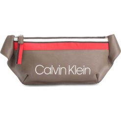 6f846d89ee589 Saszetka nerka CALVIN KLEIN - Collegic Urban Crossbody K60K604456 002.  Nerki i saszetki marki Calvin