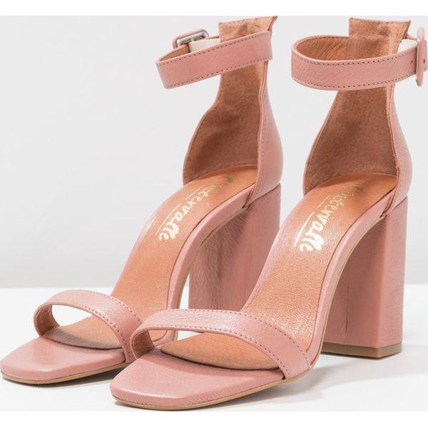 10013326bdeb8 L'INTERVALLE NELLA Sandały na obcasie mauve - Fioletowe sandały ...