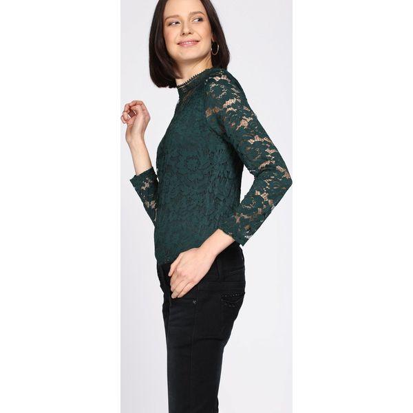 8d432e82a8 Zielona Bluzka Get Out - Zielone bluzki Born2be