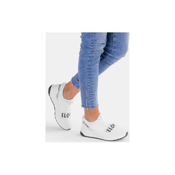1c0c5ce3e7c2f Białe buty sportowe Elove - Buty sportowe lifestyle marki DeeZee. Za ...