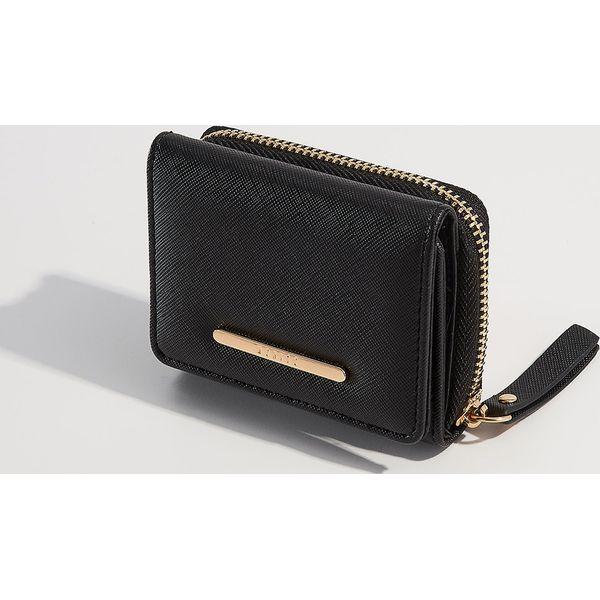 79aa96afe67ff Portfel ze strukturalną fakturą - Czarny - Czarne portfele marki ...