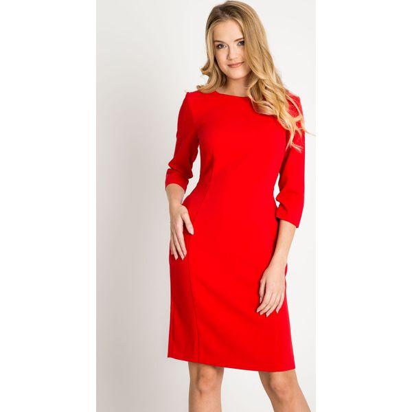 52fc531ccbb61a Dopasowana czerwona klasyczna sukienka QUIOSQUE - Czerwone sukienki ...