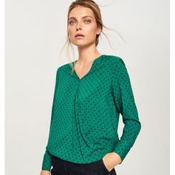 40b020ce5429fa Bluzka z kopertowym dekoltem - Zielony. Zielone bluzki Reserved, bez  wzorów, bez kołnierzyka