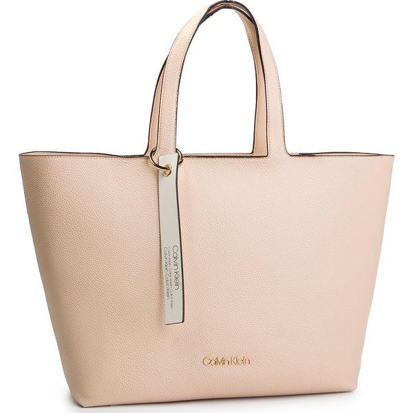 f730531175c52 Shopper bag marki Calvin Klein - Kolekcja wiosna 2019 - Moda w Women s  Health