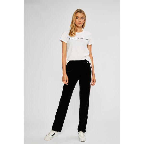 728660f57824c Guess Jeans - Spodnie Rina - Spodnie materiałowe marki Guess Jeans. W  wyprzedaży za 299.90 zł. - Spodnie materiałowe - Spodnie i legginsy -  Odzież damska ...