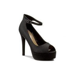 Fioletowe obuwie damskie ze sklepu CCC Kolekcja wiosna