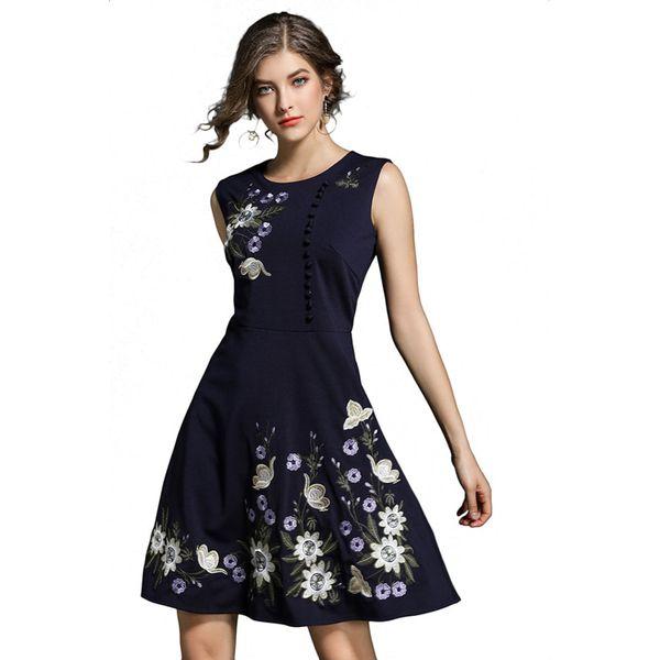 a369757832 Sukienka w kolorze granatowym - Niebieskie sukienki marki FERRAGA